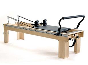 balanced body社の世界最高級ピラティス専用マシン・リフォーマー